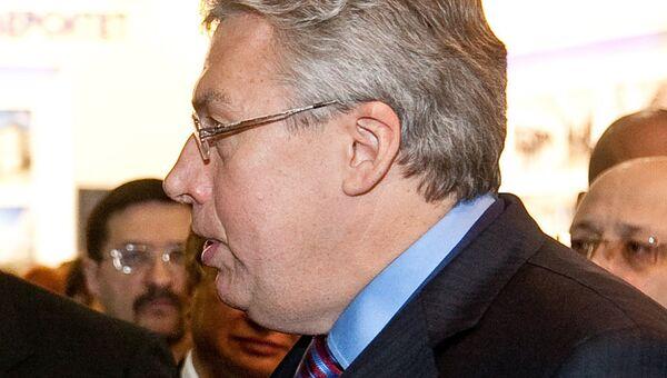 Андрей Черняков в должности президента НПО Космос. Архивное фото