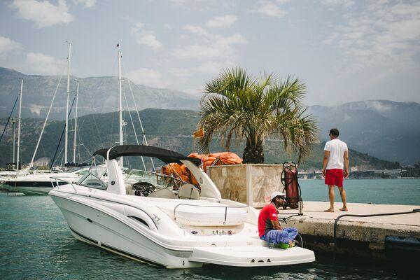 Пристань на берегу Адриатического моря города Будвы в Черногори