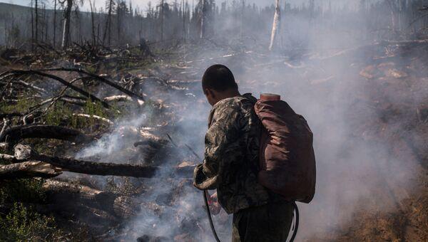 Ликвидация природного пожара. Архивное фото