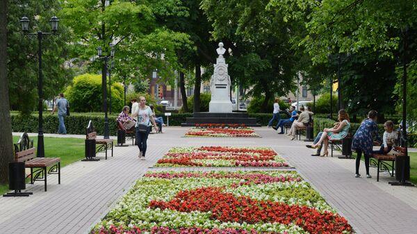 Памятник А. В. Кольцову в Кольцовском сквере Воронежа