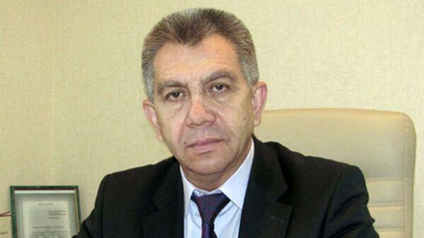 Глава  Апшеронского городского поселения Владимир Бырлов