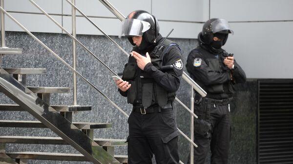Обыски проходят в офисах украинского издания Вести