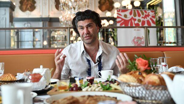 Николай Цискаридзе на пресс-завтраке, посвященном Русским сезонам в Японии