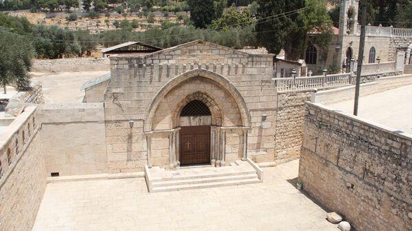Пещерная церковь Успения Богородицы (место ее погребения) в Иерусалиме