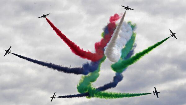 Национальная пилотажная группа Объединенных Арабских Эмиратов Fursan Al Emarat выступает на Международном авиационно-космическом салоне МАКС-2017 в Жуковском