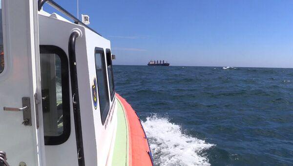Операция по спасению членов экипажа сухогруза Anda у берегов Крыма