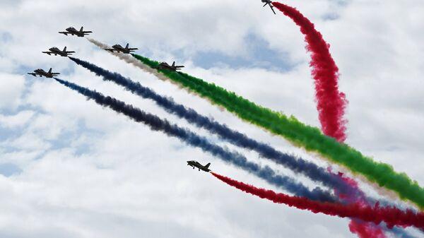 Национальная пилотажная группа Объединенных Арабских Эмиратов Fursan Al Emarat выступает на МАКС-2017 в Жуковском