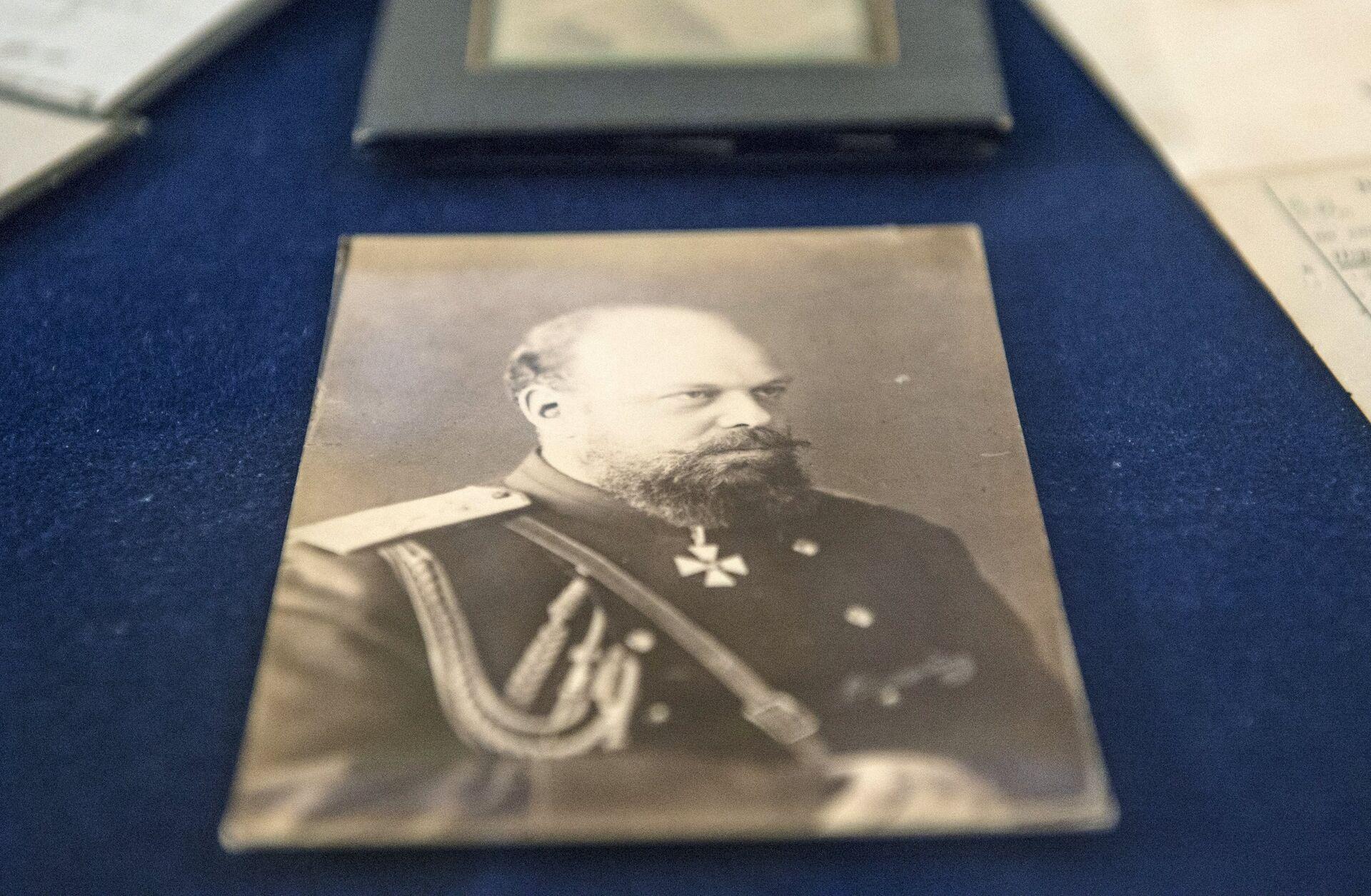 Фотография императора Александра III - документ из архива семьи Романовых, переданного музею-заповеднику Царское село - РИА Новости, 1920, 11.07.2021