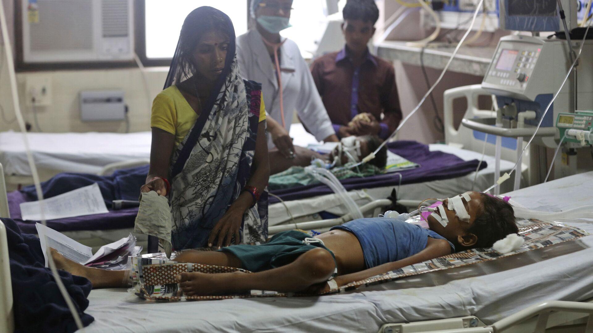 Пострадавшие дети в больнице Баба Рагхав в индийском штате Уттар-Прадеш. 13 августа 2017 - РИА Новости, 1920, 09.01.2021