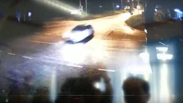 Стоп-кадр записи легкового автомобиля перед ДТП в провинции Сураттхани на юге Таиланда