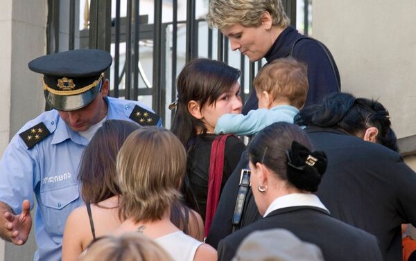 Грузия дети полиция эвакуация