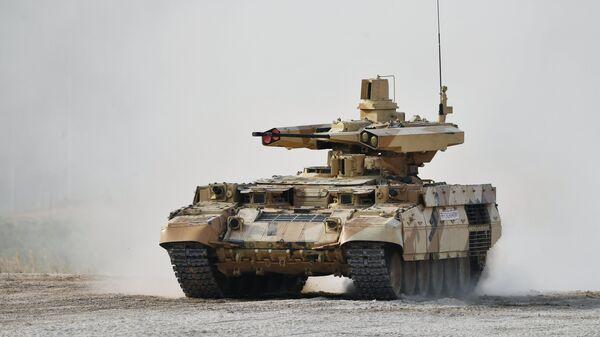 Боевая машина огневой поддержки БМПТ Терминатор-3 во время военно-технического форума Армия-2017. 23 августа 2017