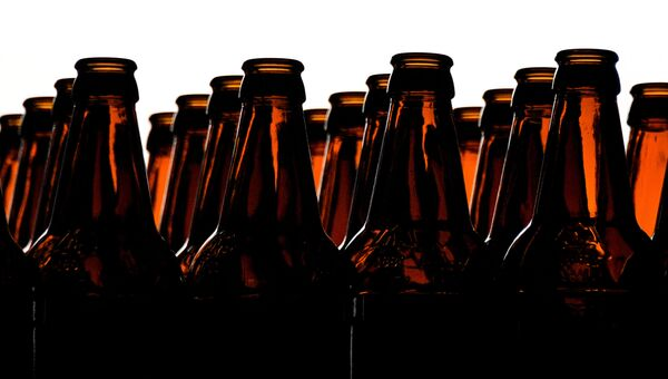 Цех розлива пивоваренном заводе. Архивное фото
