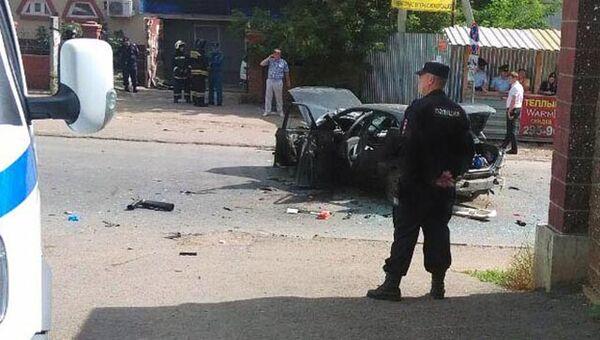 На месте взрыва автомобиля в Уфе. 28 августа 2017