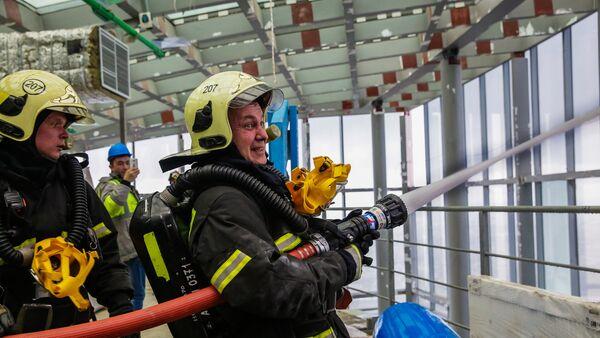 Опытное пожарно-тактическое учение МЧС на здании башни Восток в Москве