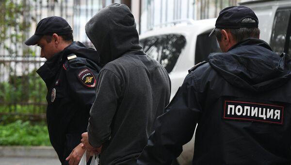 Корней Макаров доставлен в Хамовнический суд. 30 августа 2017
