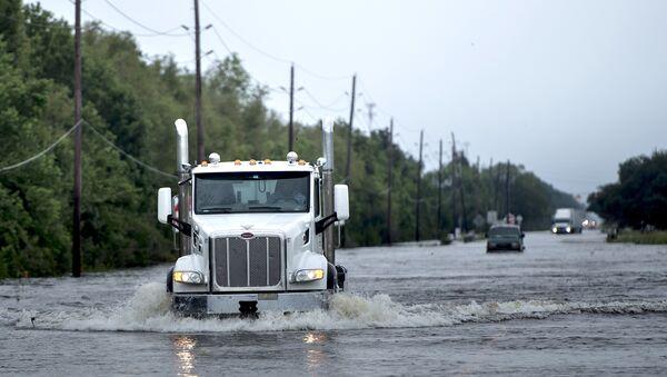 Наводнение после урагана Харви в Кросби