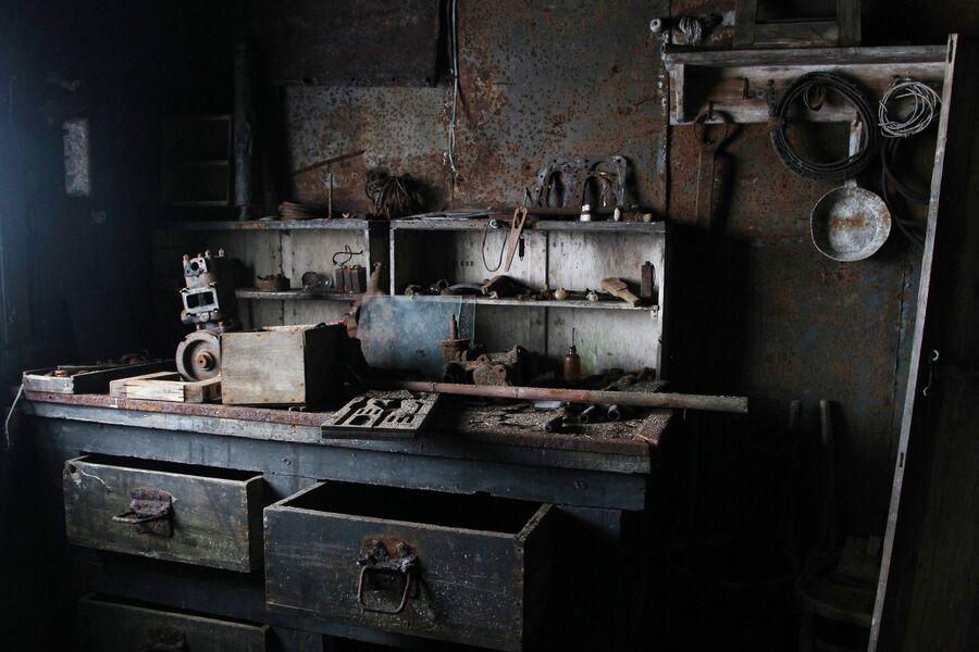 Интерьер в одном из домов на полярной станции в бухте Тихая