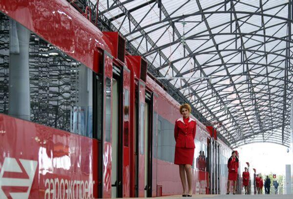 Электропоезд Савеловский вокзал – Шереметьево