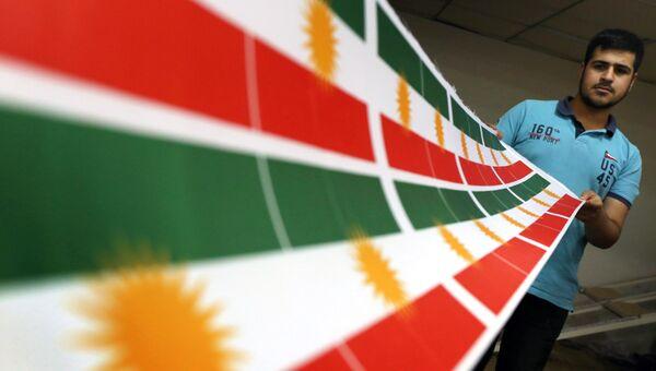 Изготовление флага Курдистана в Эрбиле, столице автономного курдского региона в Ираке. Архивное фото
