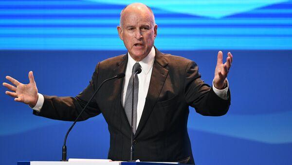 Губернатор штата Калифорния Джеральд Эдмунд Браун на открытии Восточного экономического форума во Владивостоке