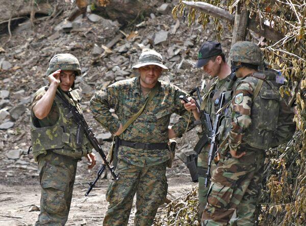Грузинские военные на грузино-абхазской границе в Кодорском ущелье (Верхняя Абхазия)
