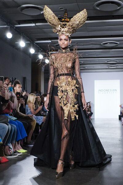 Рианна, Джиджи Хадид и модель-Барби Даки Тот на New York Fashion ... 6e3f00c3f1c