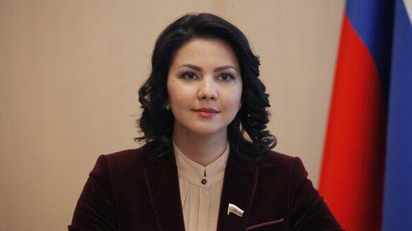 Член комитета Государственной Думы РФ по вопросам семьи, женщин и детей Инга Юмашева