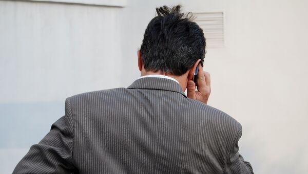 По закону коллекторы не могу звонить должнику чаще одного раза в день. Архивное фото
