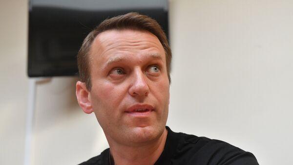 Организаторы перевозки Навального рассказали, как он перенес полет