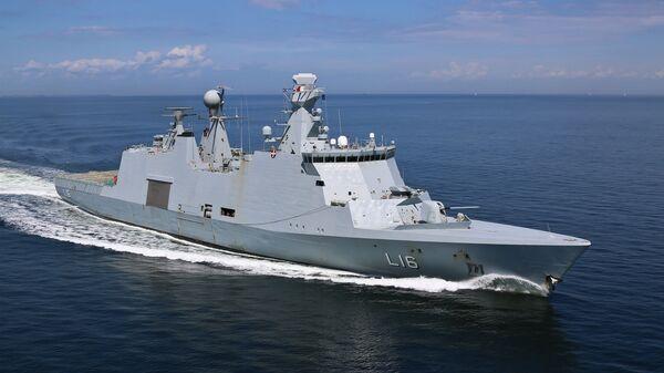 Корабль управления и поддержки Absalon ВМС Дании