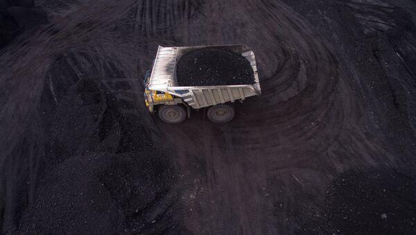 Добыча угля. Архивное фото