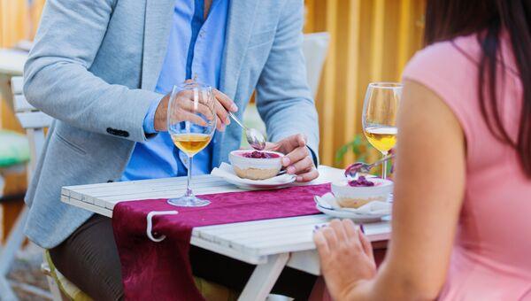 Оплата ужина в ресторане или так называемые карманные расходы не считаются спонсорством. Учитываются только средства, которые мужчина платит содержанке на её нужды.