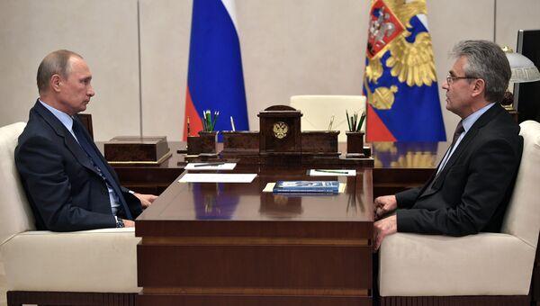 Рабочая встреча президента РФ Владимира Путина с президентом РАН Александром Сергеевым. 27 сентября 2017