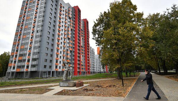 Многоэтажный жилой дом на Бескудниковском бульваре в Москве, предназначенный для переселения участников программы реновации