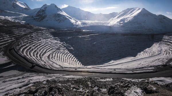 Высокогорный рудник Кумтор в Иссык-Кульской области Киргизии. Архивное фото
