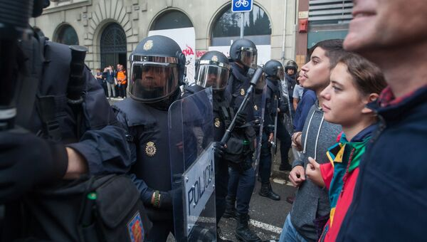 Столкновения у избирательных участков в ходе референдума о независимости Каталонии. 1 октября 2017