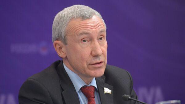 Заместитель председателя Комитета Совета Федерации по международным делам Андрей Климов, архивное фото