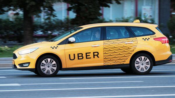 Автомобиль службы Uber