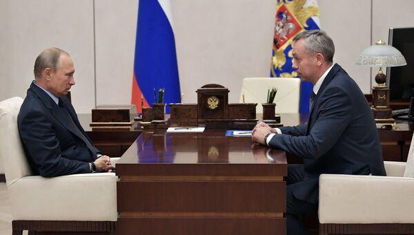 Президент РФ Владимир Путин и Андрей Травников во время встречи. 6 октября 2017