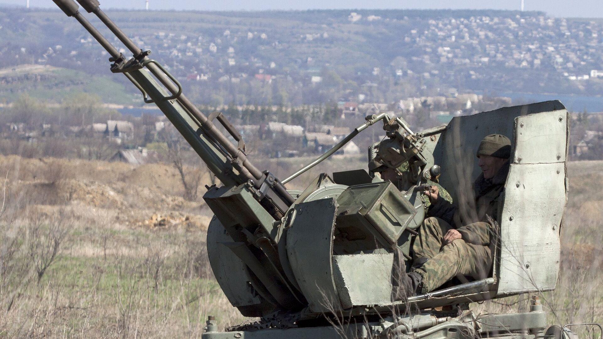 Украинские зенитчики провели учебные стрельбы в Донбассе