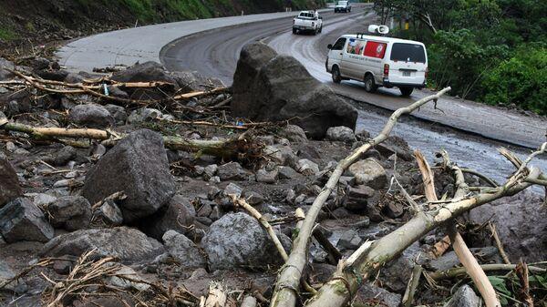 Завалы оставленные штормом Нэйт в департаменте Валье в Гондурасе. 6 октября 2017