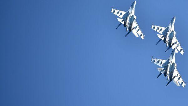 Многоцелевые истребители Су-35. Архивное фото