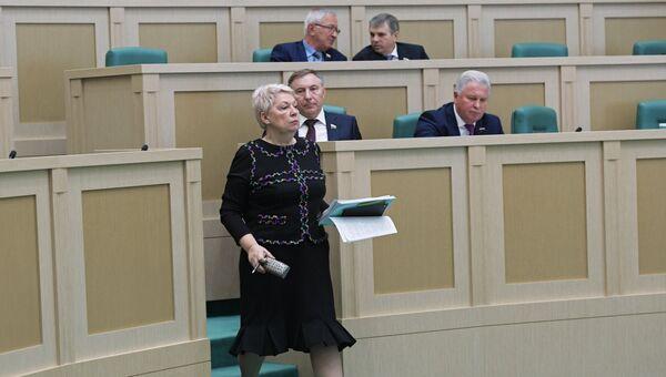 Министр образования и науки РФ Ольга Васильева на заседании Совета Федерации РФ. 10 октября 2017