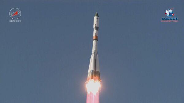 Пуск ракеты-носителя Союз-2.1а с грузовым кораблем Прогресс МС-07 с космодрома Байконур. 14 октября 2017