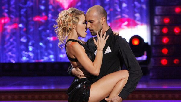 Телеведущая Ксения Собчак и танцор Евгений Папунаишвили на съемках проекта Танцы со звездами