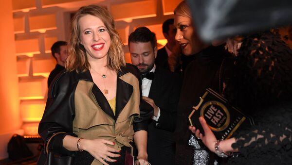 Телеведущая Ксения Собчак на церемонии вручения премии Женщина года по версии журнала Glamour в Геликон-опере в Москве