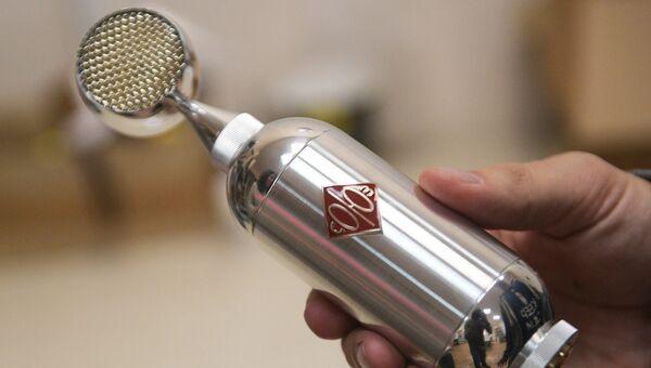 Ламповый студийный микрофон Союз, произведенный на предприятии в Туле