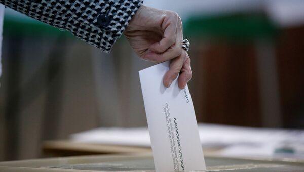 На избирательном участке во время местных выборов в Тбилиси, Грузия. 21 октября 2017