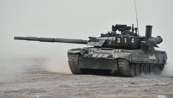 Танк Т-80У. Архивное фото